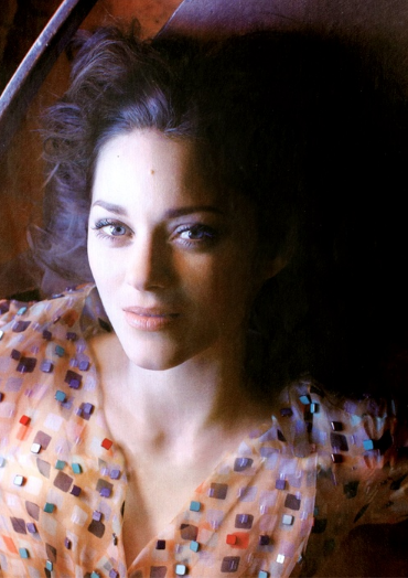 Actresses-Marion Cotillard #french #actress #brunette #blueeyes