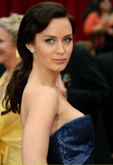 Emily Blunt-Top 55 Most Beautiful Hollywood Babes - The Wondrous Design Magazine