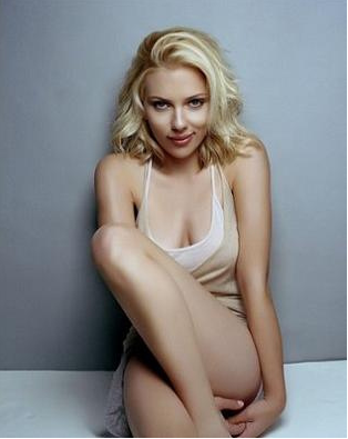 Hollywood-Actress-Scarlett-Johansson-
