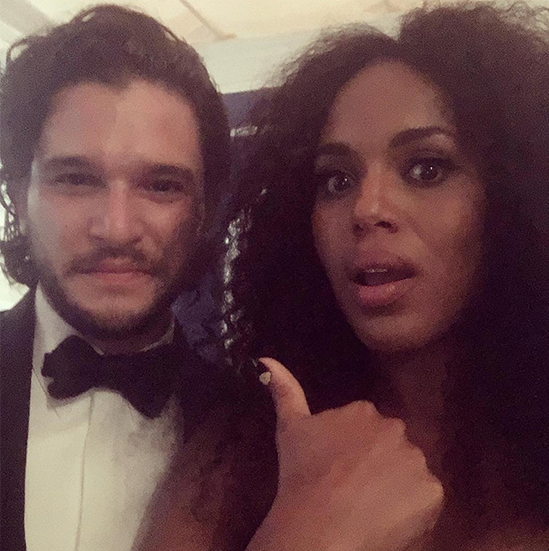emmys-2016_-kerry-washington-snaps-selfie-with-kit-harington-_-ew-com